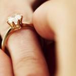 Zróbmy zrzutkę na pierścionek zaręczynowy