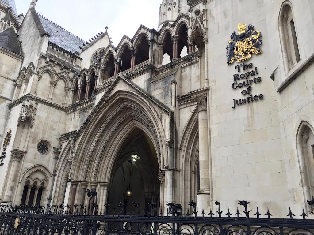 londyn-te-royal-courts