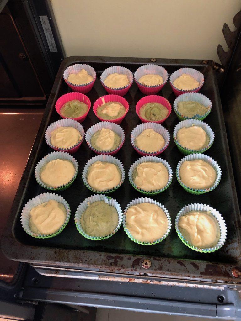 muffinki z matcha ciasto przed upieczniem