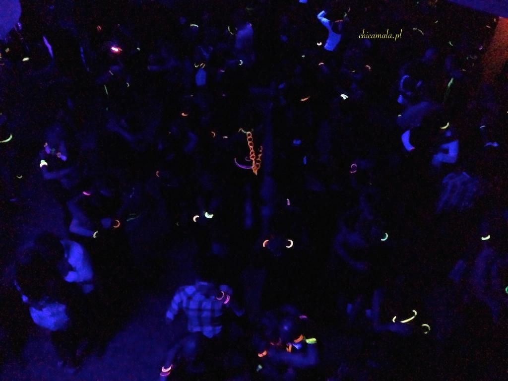 mega-biba-dark-party