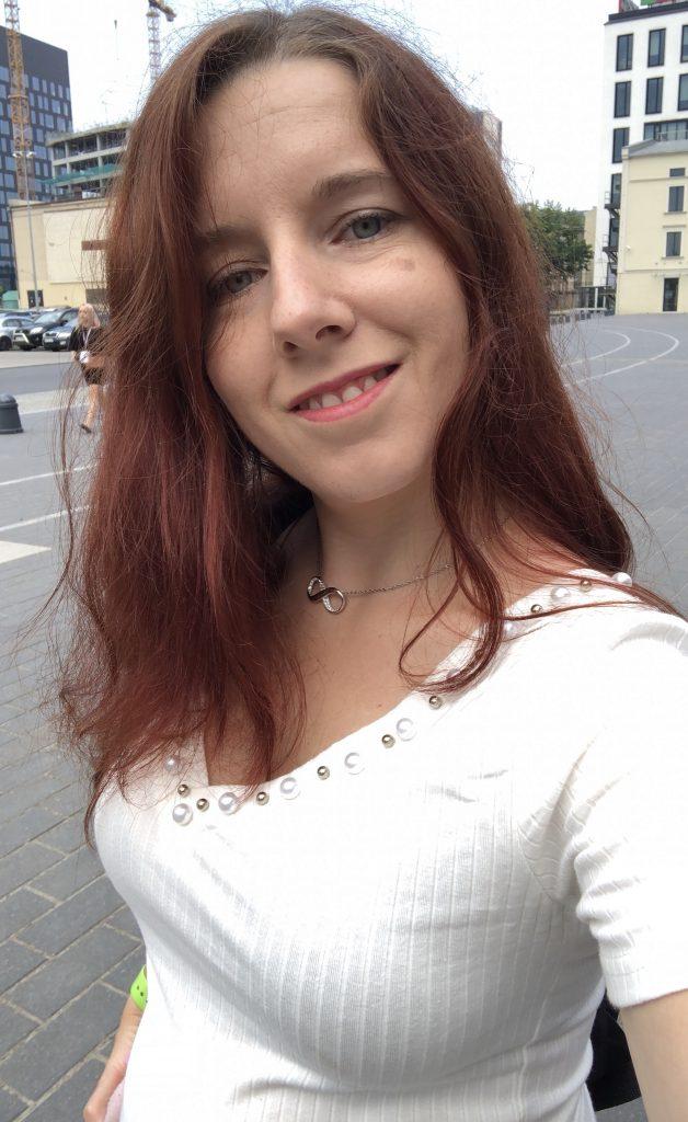 Chica Mala selfie